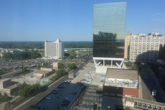 Hilton Hartford: Park on the left, town on the right, view from 16th floor