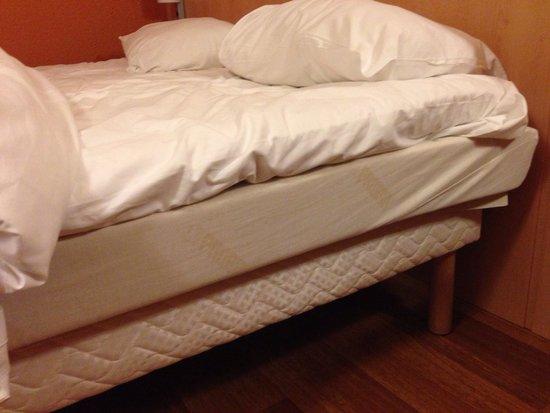 Ibis Amsterdam Centre: Bed