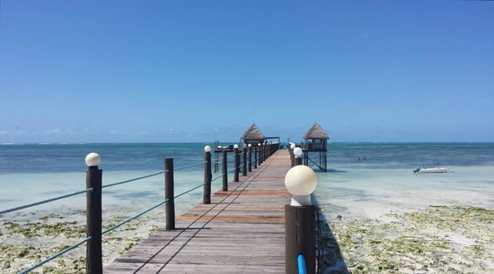 Spice Island Hotel Resort Zanzibar : Die Brücke mit Barhaus