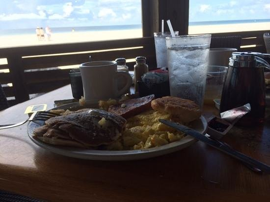Gulf Drive Cafe : plantation breakfast - honest and good