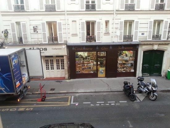 Hotel Delambre : View straight
