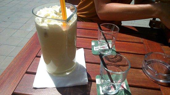 Oxygen Cafe bar : Bananarama liter jug cocktail,  also great!