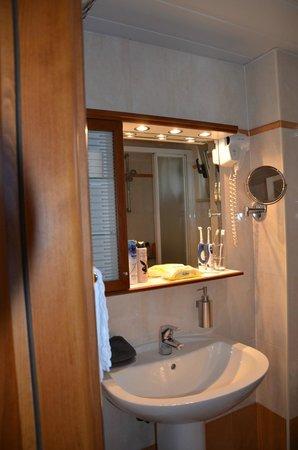 Sitia Bay Hotel: badkamer