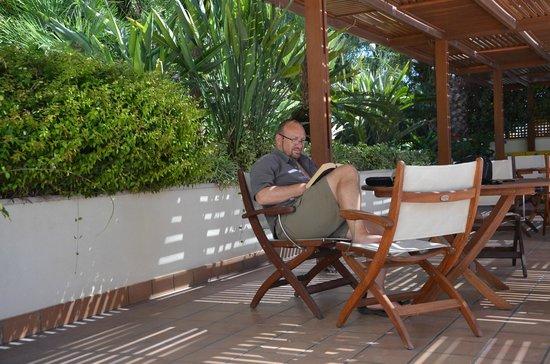 Sitia Bay Hotel: rustig een boek lezen