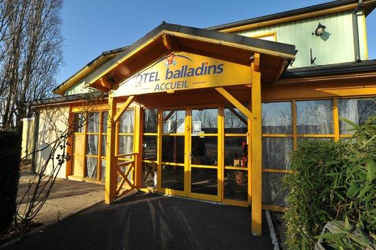Hotel balladins Vigneux-sur-Seine: Façade