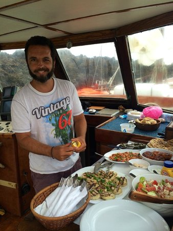 Captain George Santorini Yachting: Food preparation
