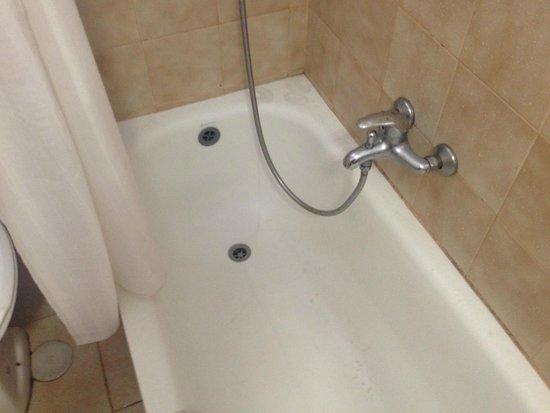 Golden Beach Hotel by Arcadia Hotels : bath