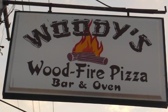 Woody's Woodfire Pizza : Woody's