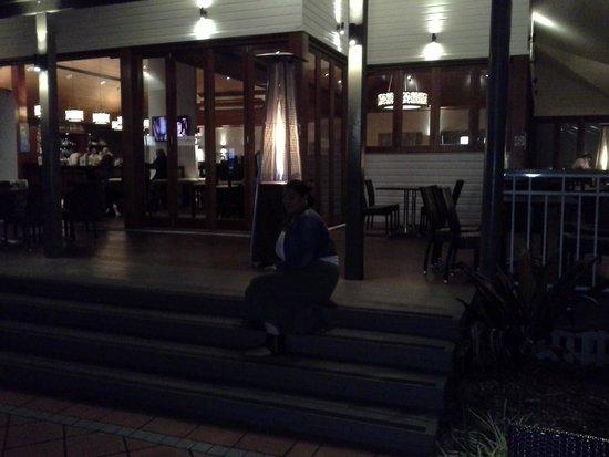 Novotel Twin Waters Resort: outdoor restaurant