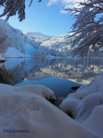 Lago Santo Parmense: lago santo in abiti invernali..