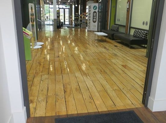 Whanganui i-SITE Visitor Information Centre: (My) dream floor