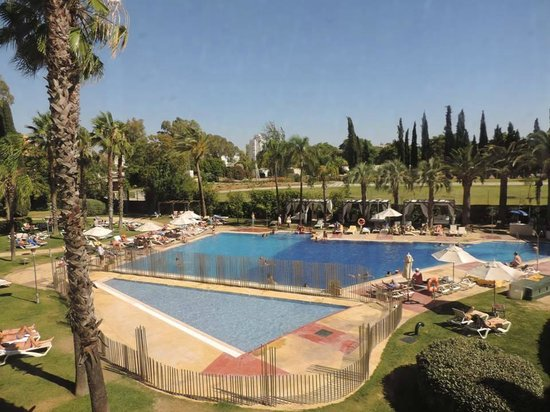 La piscine vue de la chambre picture of silken al - Seville hotel piscine ...