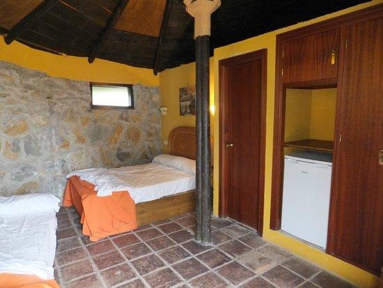 Selwo Lodge Hotel: cabaña triple en poblado Masai