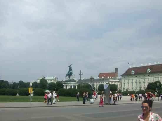 Historisches Zentrum von Wien: Памятник Карлу Людвигу Австрийскому, герцогу Тешенскому