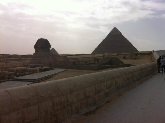 Khafre, the second pyramid: the Kefre Pyramids