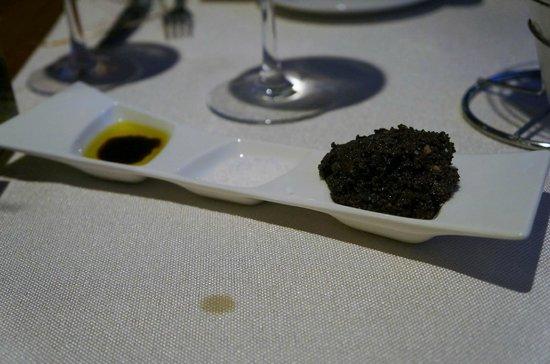 Modigliani - Pasta e Carne: Oil, salt and tapenade.