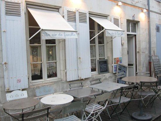 Un Air de Famille: Cute little storefront, a few tables outside, weather permitting