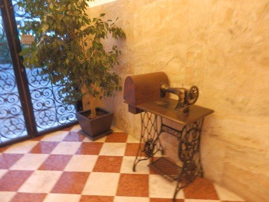Hotel Ca'dei Barcaroli: inside
