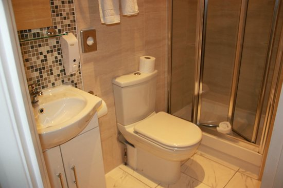 Lidos Hotel: Bathroom