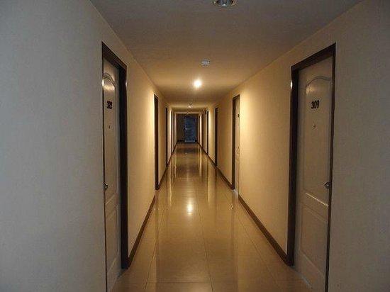 Phaiboon Place Hotel: Etage