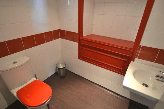 La Regence : Toilettes Handicap niveau RDC