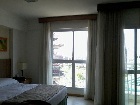 Saint Moritz Hplus Express: Wide windows from the room