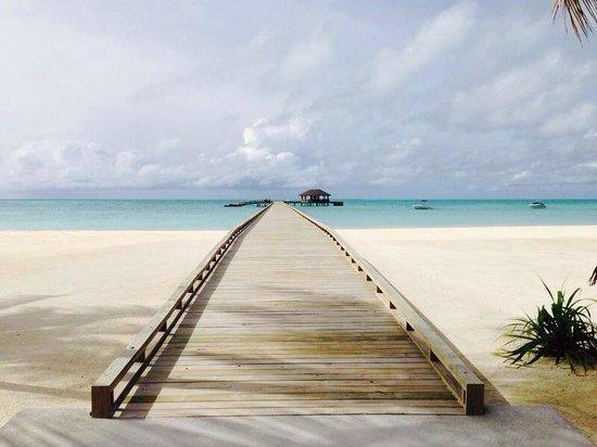 Atmosphere Kanifushi Maldives: Ankunftssteg