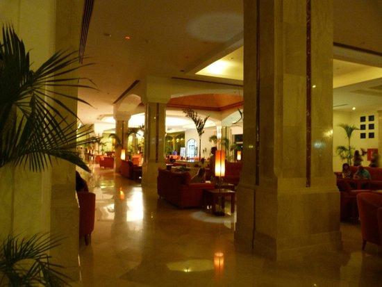 Fantazia Resort: lobby bar