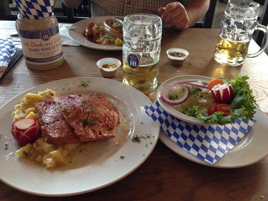 Hofbrauhaus Chicago: Great dinner of Bayrischer Leberkas, Cucumber Salad and beer