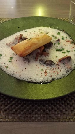 Les Cocottes de Christian Constant : chicken liver with mushrooms in foam and tart