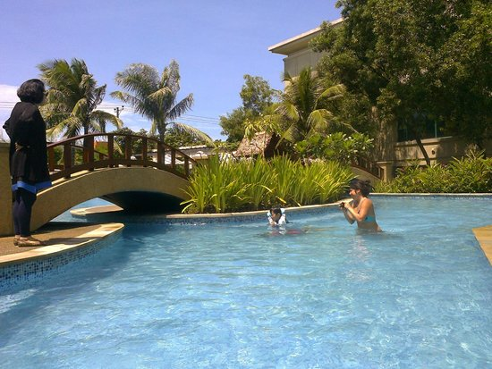 Radisson Blu Cebu: Pool