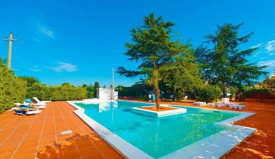 Villa Angela - Luxury Country Suites