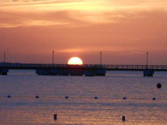 Rooms Ocho Rios: Sunset @ Rooms Beach Sweeet!!!