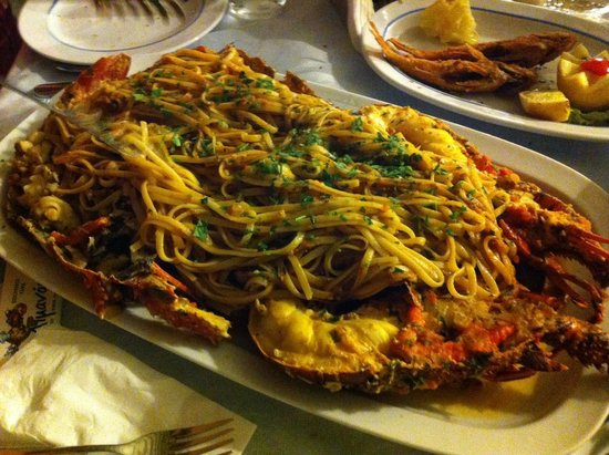 To Limanaki : la fameuse langouste aux spaghettis