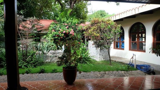 Hotel Flor de Sarta: Hotel and grounds