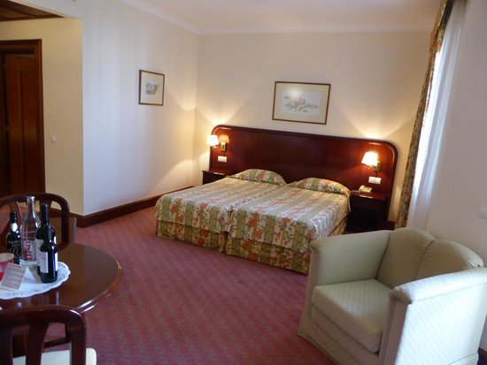 The Jardins d'Ajuda Suite Hotel : chambre