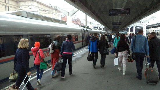 Sapsan Bullet Train: Сапсаном Москва-Санкт-Петербург-Москва