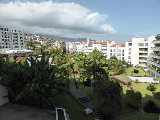The Jardins d'Ajuda Suite Hotel : vue du balcon