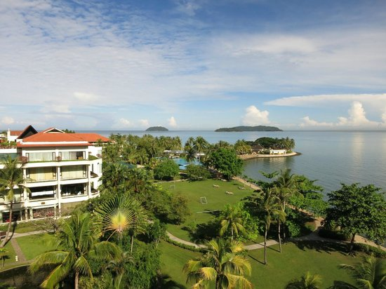 Shangri-La's Tanjung Aru Resort & Spa: View from our Club room.