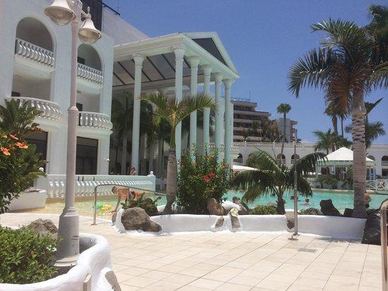 Guayarmina Princess Hotel: Pool area and new tiles around