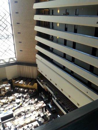 Hyatt Regency New Orleans : 10th floor hallway