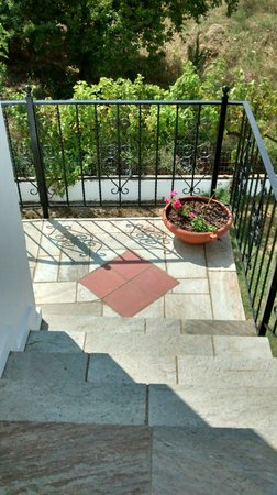 Paris Guest House : The steps to our apartment