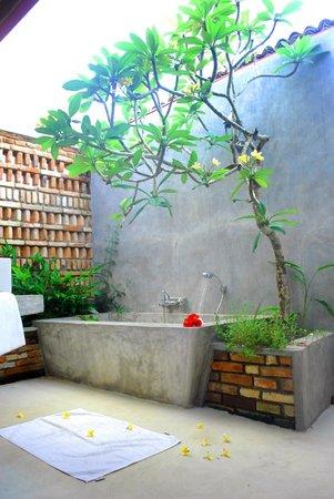 Villa Mangrove: open bath tub