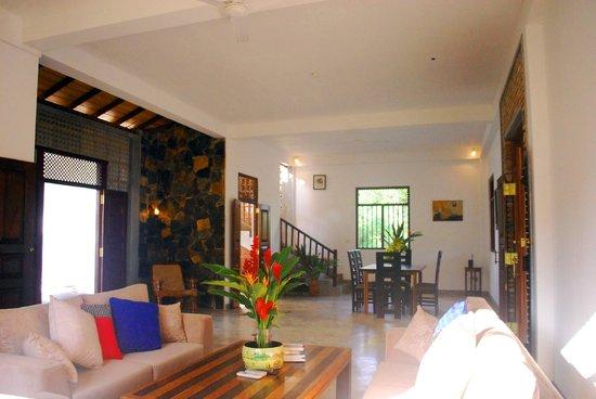 Villa Mangrove: dining
