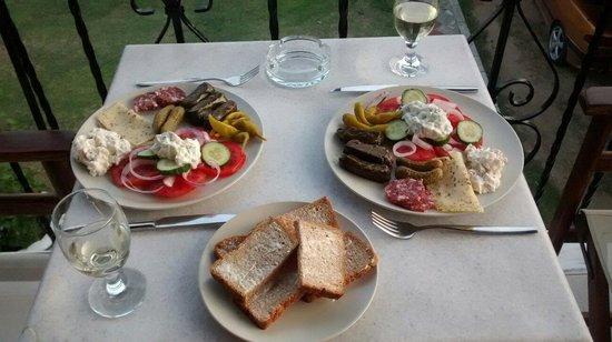 Paris Guest House : Self catering meze