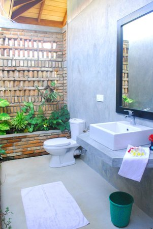 Villa Mangrove: open bath room