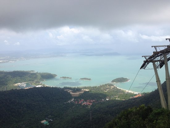 Langkawi Cable Car (Panorama Langkawi Sdn Bhd): view of sea and island from top