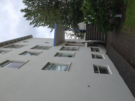 Guesthouse Bina : Huset från utsidan