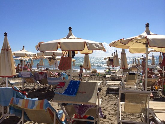 Spiaggia bagni albenga - Foto di Bar Bagni Albenga, Albenga ...
