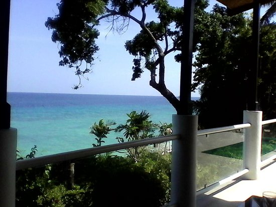 Alegre Beach Resort: Another beautiful view of the beach from the restaurant